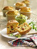 Oliven-Tomaten-Muffins
