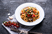 Vegan spaghetti with Mediterranean vegetables and soya mince