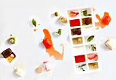Selbstgemachte süß und pikant aromatisierte Eiswürfel