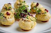 Dahi Sev Puri (Snack aus Indien)