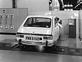 Renault 16 TL automatic on a brake testing machine, 1972