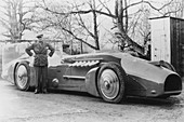Malcolm Campbell with the 1933 Bluebird, 1933