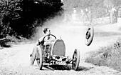 Raymond Mays' Bugatti loses a wheel