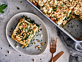 Spinach lasagna with pine nuts