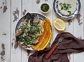 Trucha al Ajillo (Forelle mit Kochbanane und Knoblauchsauce, Kolumbien)