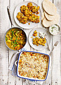 Drei Blumenkohl-Kürbis-Gerichte: Curry, Orzo-Gratin, Fritter mit Minze-Feta-Dip