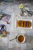 Honigkuchen mit Rosinen