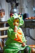 Kind im Halloween-Kostüm