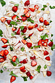 Asparagus salad with strawberries and basil