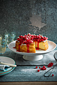 Baked vanilla cheesecake with redcurrant sauce