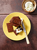 Cocoa and smoked pepper crackers with cream cheese