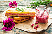 Grilled cheese sandwich with beetroot and horseradish pesto