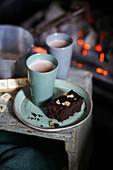 Schokoladen-Lebkuchen-Brownie mit Fudge-Glasur