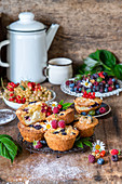Muffins with berries and quark