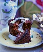 Moelleux au chocolat with vanilla sauce