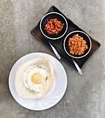 Egg Hoppers mit Kokosnuss-Sambal (Sri Lanka)