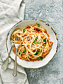 Spaghetti mit Gazpacho-Sauce