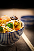 Asian noodles with vegetable and prawns