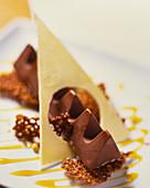 Schokoladendessert mit Toblerone und Krokant