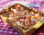 Aprikosen-Clafoutis mit Mandeln und Baiser