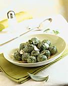 Malfatti di ricotta e spinaci (ricotta and spinach dumplings, Italy)