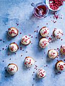 Erdbeer-Sahne-Donuts