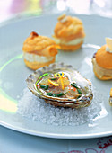Oysters with white wine and lemon vinaigrette