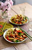 Hähnchen mit Gemüse und Austernsauce (Asien)