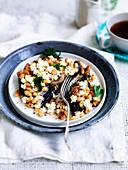 Baked Beans und Pilze mit Ricottafüllung