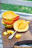 Mango vorbereiten für Mangomarmelade