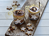 Christmas cheesecake desserts with chocolate, hazelnut and caramel (vegan)