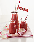 Red smoothies for Valentine's Day