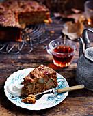 Birnenkuchen mit Bitterorangenmarmelade