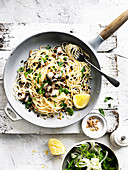 Pasta with pine nuts and Currants