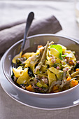 Pappardelle alla vignarola (tagliatelle with vegetables and bacon, Italy)