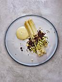 Asparagus with egg, sauce Hollandaise and crispy nori crumbs