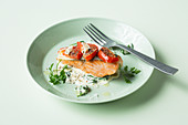 Salmon steaks on spinach (keto cuisine)