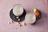 Veganer Apfel-Nuss-Smoothie mit Mandeldrink