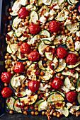 Ofengemüse mit Schafskäse und rotem Pesto