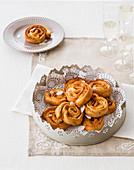 Girandole (baked dough rolls, Italy)