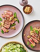 Gegrilltes Rindfleisch mit pikantem Dip (Thailand)