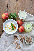 Whey with grains, yoghurt, honey and apples