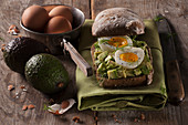 Avocado roll with egg and dill