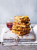 Gefüllter French Toast mit Gouda und Chilimarmelade