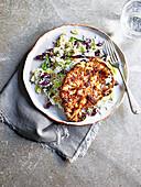 Blumenkohlsteaks mit Jerk-Gewürz, Reis und Erbsen
