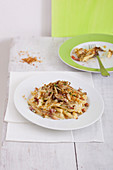 Carbonara with crispy artichokes and breadcrumbs