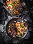 Teriyaki-Short-Ribs mit Reis und Pickles