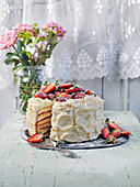 Layercake with strawberries, coconut and rosting