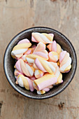 Marshmallows in a ceramic bowl