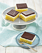 Orange pudding cake with chocolate biscuits